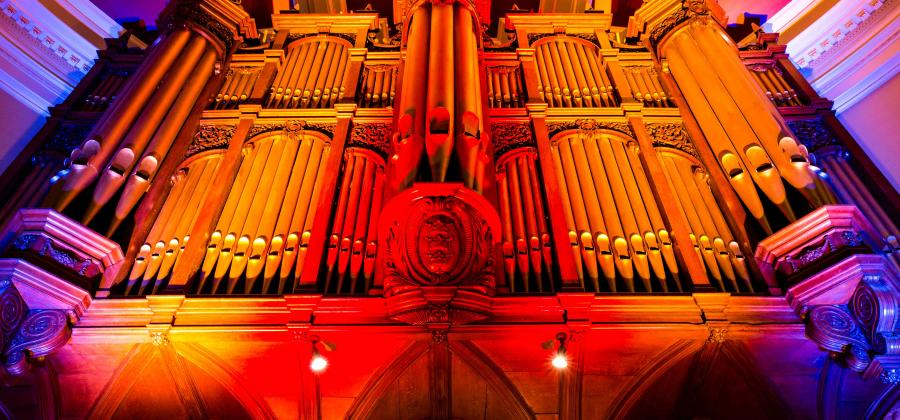 Hull City Hall organ